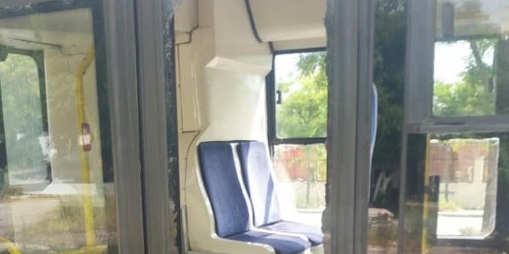 Επιβάτης έσπασε το τζάμι σε λεωφορείο του ΟΑΣΘ! [εικόνα]