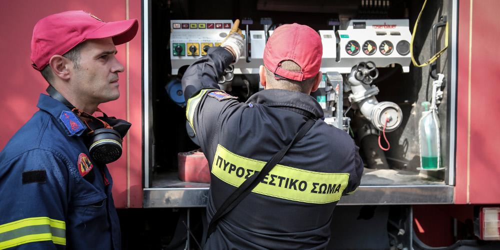 Συναγερμός στην Πυροσβεστική για φωτιά σε μονοκατοικία στην Αθήνα