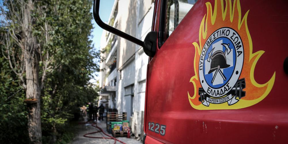 Απεγκλωβίστηκε 13χρονος από φωτιά σε διαμέρισμα στη Θεσσαλονίκη