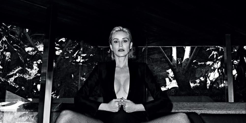 Η Σάρον Στόουν φωτογραφίζεται τόπλες στα 61 της [εικόνες]