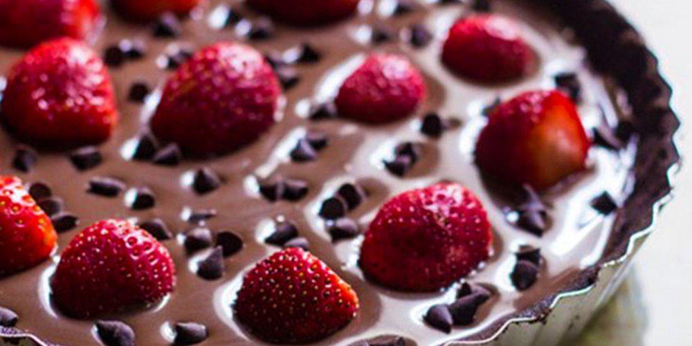 Η συνταγή της ημέρας: Σοκολατίνα με φράουλες από τον Τάσο Αντωνίου
