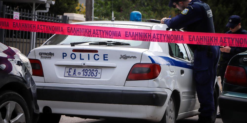 Συνελήφθη ο γιος του 71χρονου που βρέθηκε μαχαιρωμένος στο σπίτι του στους Αγίους Αναργύρους