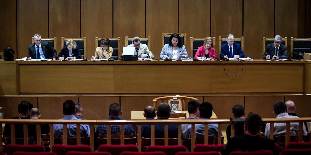 Δίκη ΧΑ: Μετατροπή των κατηγοριών για επίθεση σε ΠΑΜΕ και Αιγύπτιους αλιεργάτες σε πλημμέλημα ζήτησε η εισαγγελέας