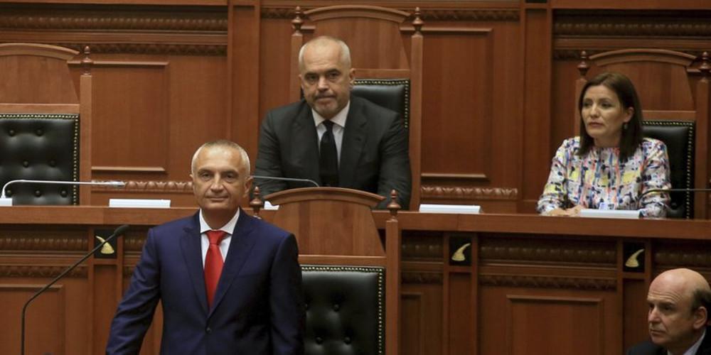 «Βαθαίνει» η κρίση στην Αλβανία - Στα άκρα η πολιτική κόντρα Ράμα-Μέτα