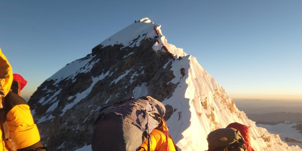 Πού οφείλεται η απότομη αύξηση των θανάτων ορειβατών που ανεβαίνουν στο Έβερεστ;