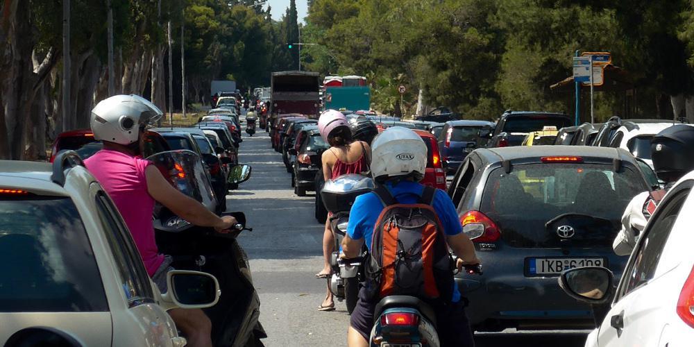 Επιχείρηση της ΑΑΔΕ: Παράνομα ένα στα τρία αυτοκίνητα με ξένες πινακίδες