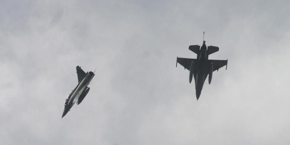 Μπαράζ πτήσεων τουρκικών αεροσκαφών σε Αιγαίο και Έβρο μετά τις πτήσεις των ελληνικών F-16