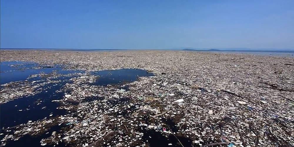 Απίστευτο: Ένα νησί από σκουπίδια και πλαστικά δημιουργείται στη Μεσόγειο