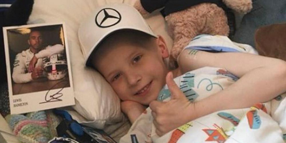 Θλίψη για τον μικρό Χάρι Σο! «Έφυγε» ο 5χρονος φίλος του Χάμιλτον [βίντεο]