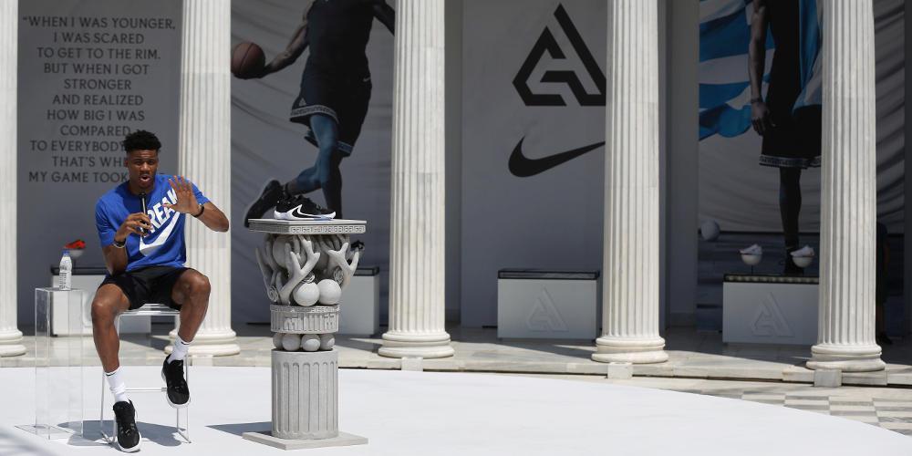 Ασταμάτητος ο Αντετοκούνμπο: Κορυφαίος άνδρας αθλητής στις ΗΠΑ [εικόνες & βίντεο]