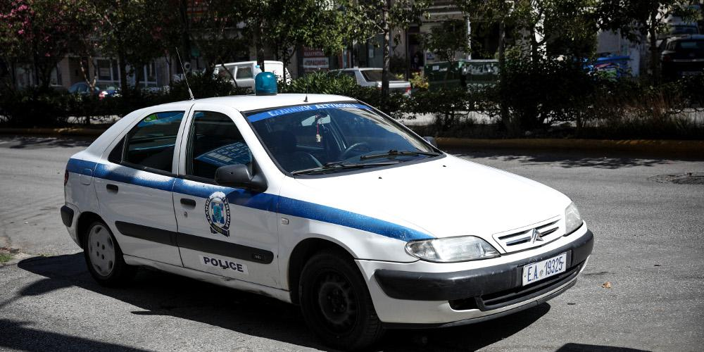 Θεσσαλονίκη: Ένας νεκρός και δύο τραυματίες σε σύγκρουση μηχανής με περιπολικό