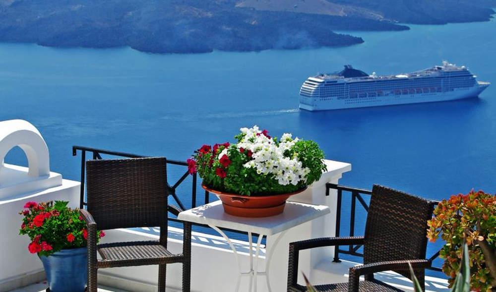 Η νέα τάση για διακοπές: Ενοικιάσεις εξοχικών για όλα τα βαλάντια [πίνακας με τιμές σε όλη την Ελλάδα]