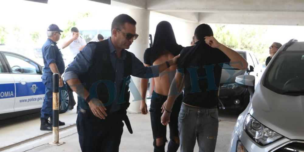 Υπόθεση βιασμού στην Κύπρο: Η 19χρονη υποστηρίζει ότι την εξανάγκασαν να αποσύρει την καταγγελία