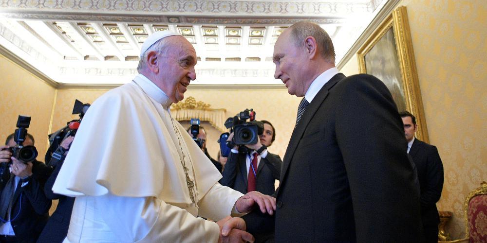 Συνάντηση Πούτιν-Πάπα Φραγκίσκου: Να προστατευτούν οι χριστιανικοί τόποι στη Συρία