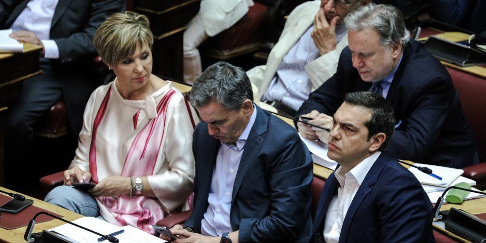Χωρίς «πυξίδα» ο ΣΥΡΙΖΑ μετά την ήττα στις εκλογές – Τρέχει πίσω από την κυβέρνηση και δεν φτάνει