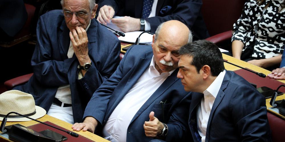 Ο ΣΥΡΙΖΑ θυμήθηκε την Αριστερά και κατηγορεί την κυβέρνηση για «δεξιά πολιτική»