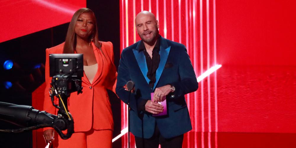 Ο Τζον Τραβόλτα συνεχάρη drag queen στα βραβεία του MTV γιατί την μπέρδεψε με την Τέιλορ Σουίφτ