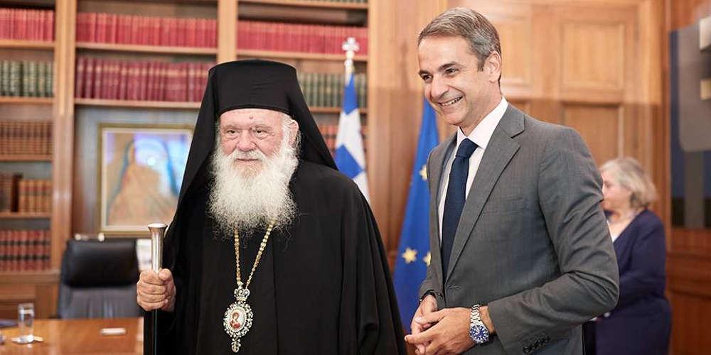 Επικοινωνία Μητσοτάκη-Ιερώνυμου για κορωνοϊό: Η Εκκλησία θα ενημερώσει του πιστούς