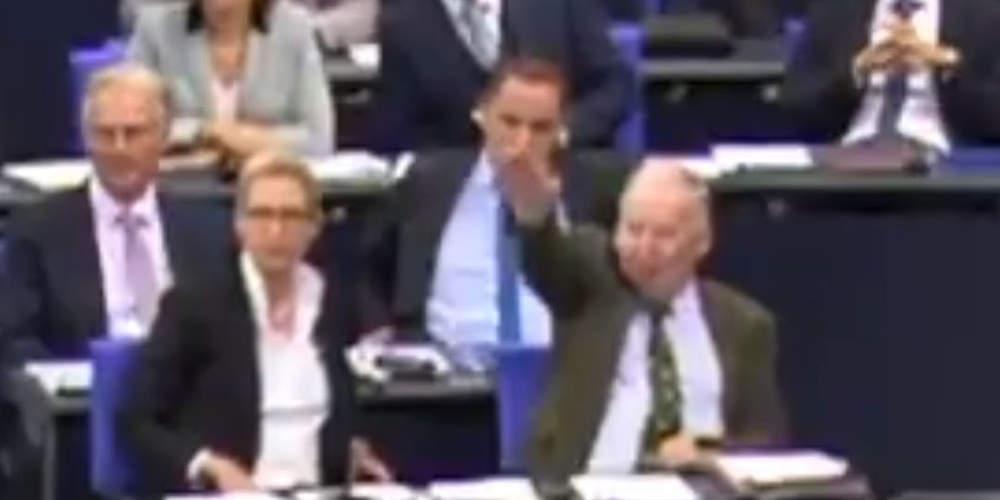 Σάλος στη Γερμανία: Ο ηγέτης του AfD χαιρέτισε ναζιστικά στη Βουλή [βίντεο]