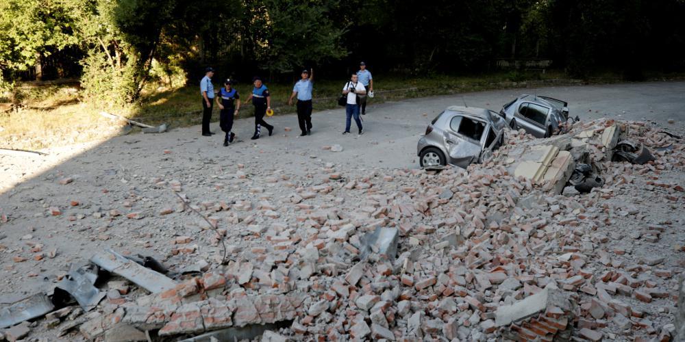 Ισχυρός σεισμός στην Αλβανία: Δεκάδες τραυματίες και σοβαρές ζημιές σε κτίρια [εικόνες & βίντεο]