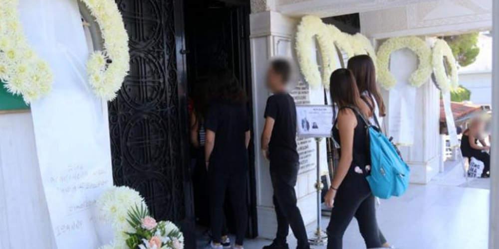 Απέραντη θλίψη στην κηδεία της 14χρονης που σκοτώθηκε στο λούνα παρκ του Αλμυρού