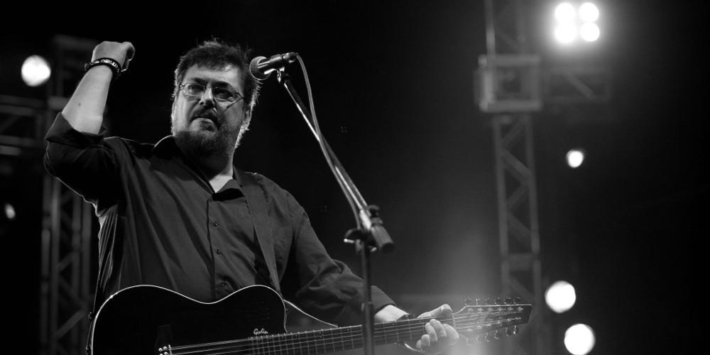 Το συγκινητικό «αντίο» της ΚΝΕ στον Λαυρέντη Μαχαιρίτσα στο Φεστιβάλ [βίντεο]
