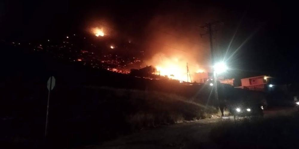 Φωτιά στο Πόρτο Ράφτη – Προληπτικά εκκένωση από την αστυνομία