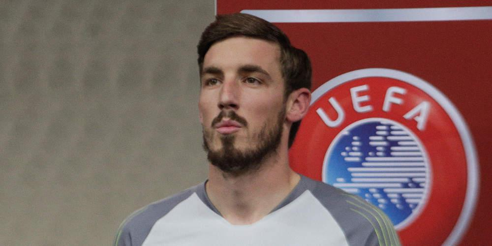 Πλήγμα για ΑΕΚ και Εθνική: Έσπασε το δάχτυλό του ο Μπάρκας στην προπόνηση