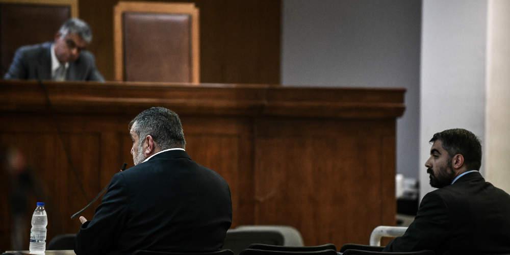 Δίκη ΧΑ: Δεν γνωρίζουμε ούτε τον Ρουπακιά ούτε για τάγματα εφόδου λένε πρώην βουλευτές