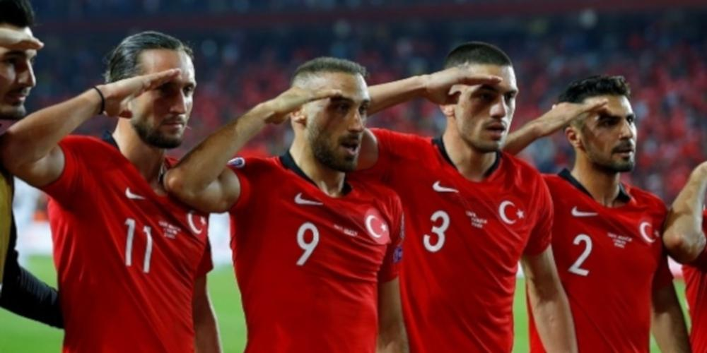 Ατιμώρητοι από την UEFA οι Τούρκοι ποδοσφαιριστές για τους στρατιωτικούς χαιρετισμούς