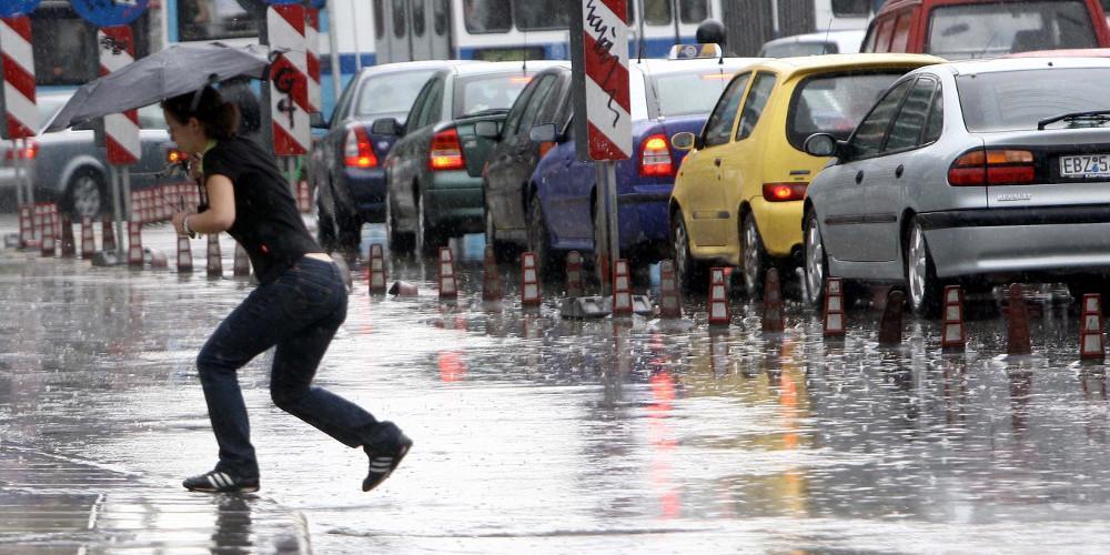 Καιρός: Σήμα κινδύνου για έντονα καιρικά φαινόμενα στην Αττική την Πέμπτη - Τι έγραψε ο Σάκης Αρναούτογλου