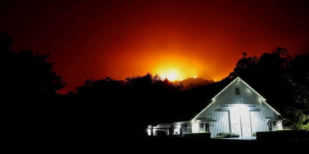Πύρινος εφιάλτης στη Καλιφόρνια - Δίνουν μεγάλη μάχη οι πυροσβέστες