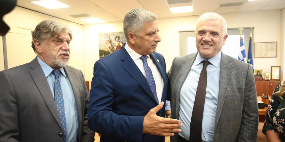 Μελισσανίδης σε Πατούλη: Το γήπεδο να τελειώσουμε