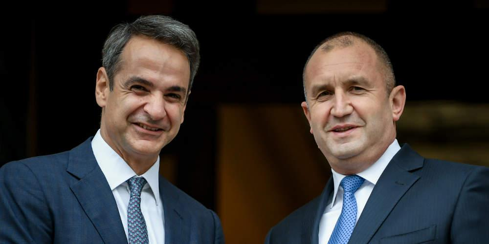 Για μεταναστευτικό, Βαλκάνια και Μέση Ανατολή συζήτησαν Μητσοτάκης-Ράντεφ