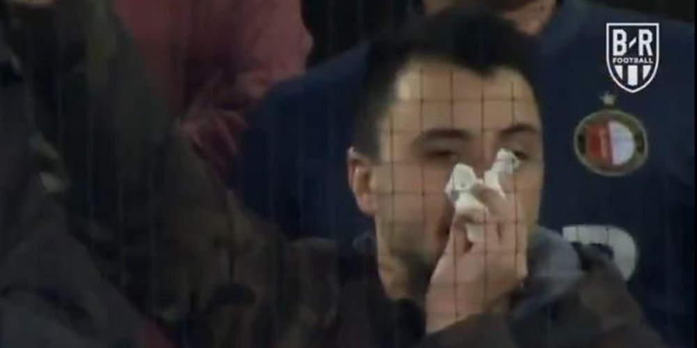 Οπαδός της Φέγενορντ έφαγε μπουνιά από φίλο του και τραγουδούσε με ανοιγμένη μύτη [βίντεο]