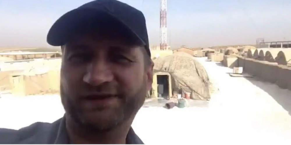 Απίστευτο: Ρώσοι στρατιώτες βγάζουν selfies σε εγκαταλελειμμένη αμερικανική βάση στη Συρία [βίντεο]