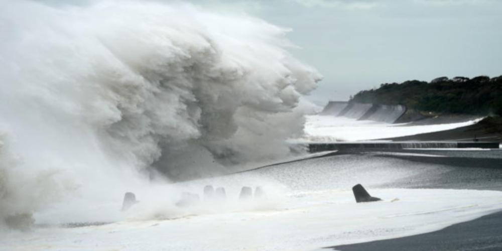 Ο τυφώνας Χαγκίμπις «σαρώνει» την Ιαπωνία - Τουλάχιστον ένας νεκρός [βίντεο]