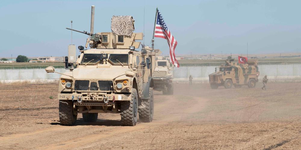 Οι δυνάμεις των ΗΠΑ αποσύρθηκαν από τη μεγαλύτερη βάση τους στη Συρία