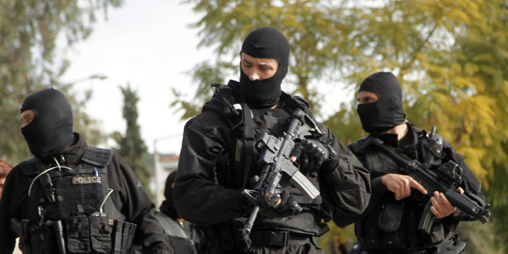 Γιάφκα με όπλα και εκρηκτικά εντοπίστηκε στο Κουκάκι από την Αντιτρομοκρατική - Τρεις συλλήψεις