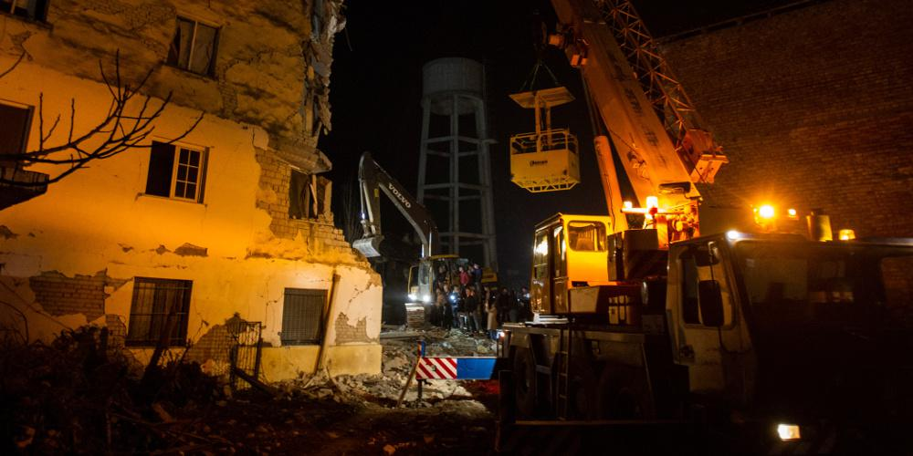 Σεισμός στην Αλβανία: Ανασύρθηκαν νεκρά τρία παιδιά και τη μητέρα τους - Στους 46 έφτασαν οι νεκροί