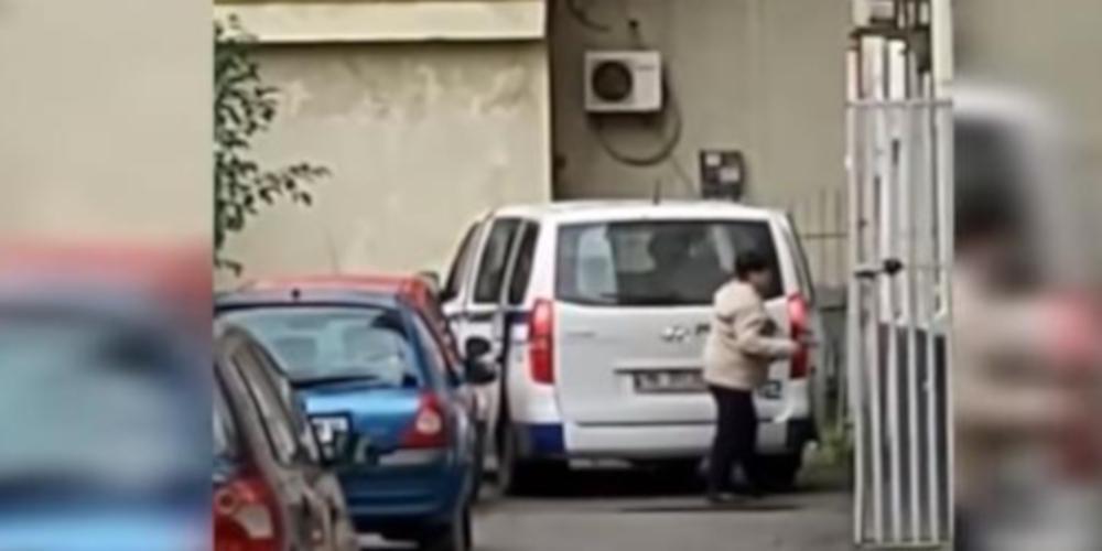 Σοκ στην Αλβανία: Αστυνομικός διοικητής κλέβει ανθρωπιστική βοήθεια για σεισμόπληκτους [βίντεο]