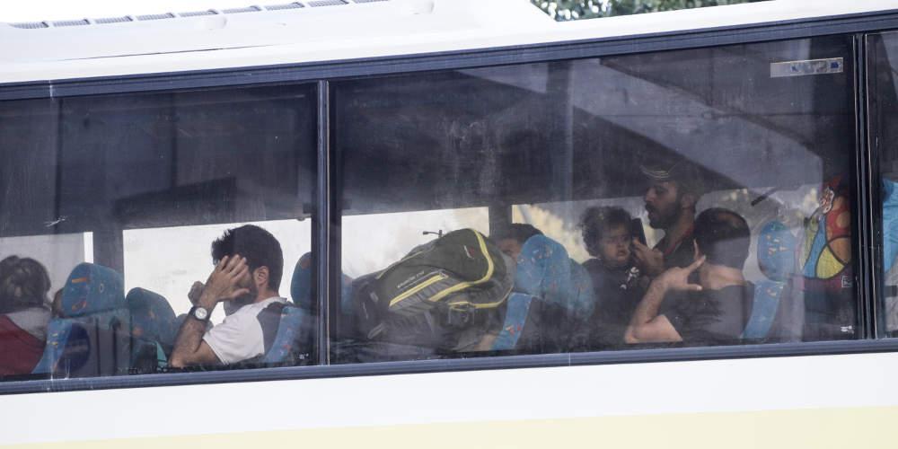 Εισαγγελική παρέμβαση για τις αντιδράσεις στην εγκατάσταση μεταναστών σε ξενοδοχεία στα Βρασνά