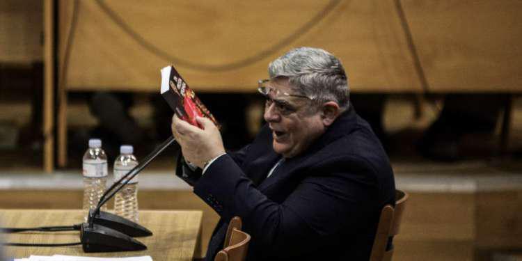 Το «ίδιο βιολί» ο Μιχαλολιάκος: Δεν υπάρχει καμία εγκληματική οργάνωση
