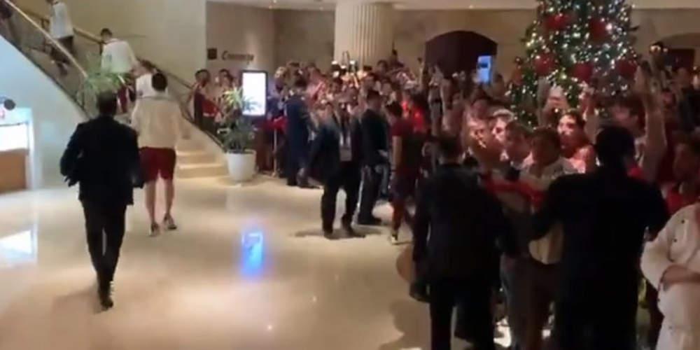 Συγκλονιστικό: Η αποθέωση των παικτών της Ρίβερ στο ξενοδοχείο μετά τον χαμένο τελικό [βίντεο]