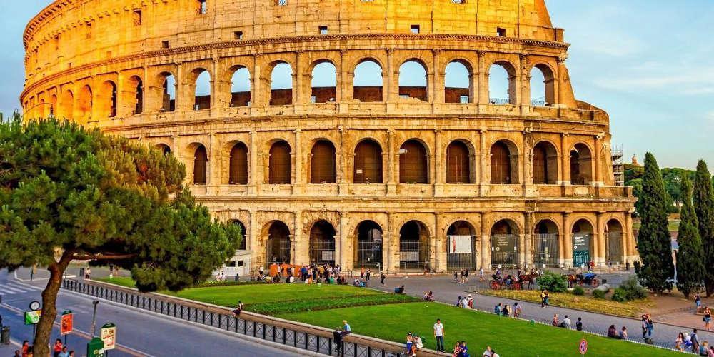 120 ευρώ για 3 χοτ-ντογκ, 1 σάντουιτς, 4 αναψυκτικά και 1 νερό πλήρωσαν τουρίστες στη Ρώμη!