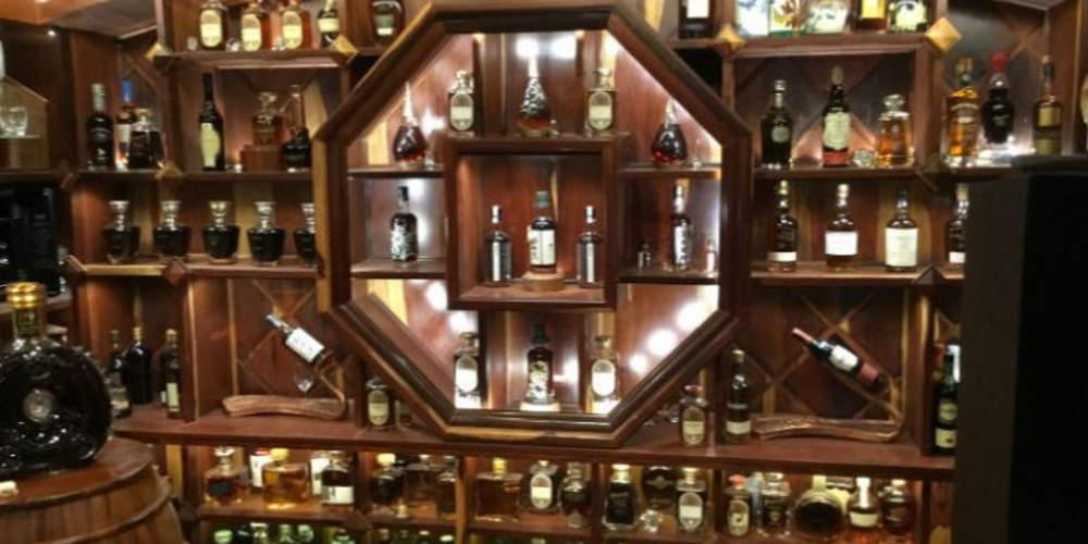 Ένας Βιετναμέζος έχει την ακριβότερη συλλογή ουίσκι στον κόσμο αξίας πάνω από 12,5 εκατ. ευρώ
