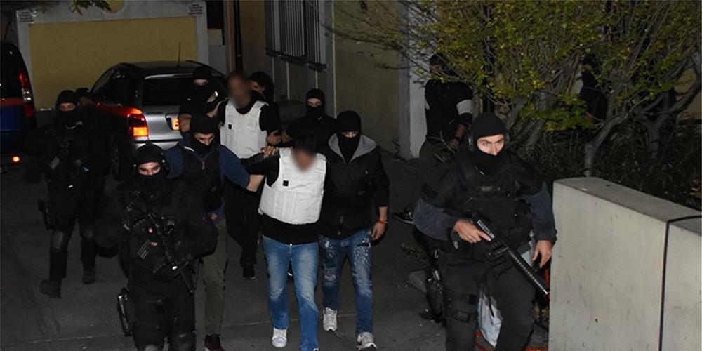 Ετοίμαζαν χτύπημα κατά αστυνομικών στόχων ενόψει Πολυτεχνείου - Δείτε τα όπλα της Επαναστατικής Αυτοάμυνας