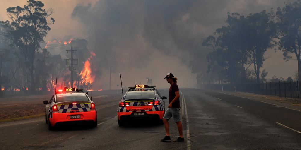 Συναγερμός στην Αυστραλία: Εκκενώνεται έκταση 200 χιλιομέτρων λόγω πυρκαγιών - Επίκειται νέο κύμα καύσωνα