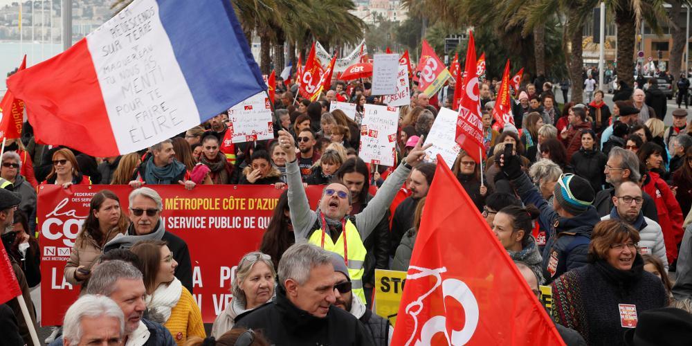 Στο κενό οι διαπραγματεύσεις κυβέρνησης-συνδικάτων στη Γαλλία – Συνεχίζονται οι κινητοποιήσεις