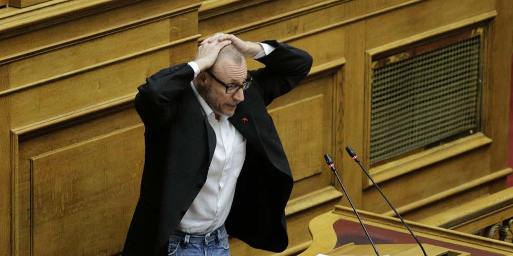 Σόου Γρηγοριάδη στη Βουλή: Παραδίνομαι... [βίντεο]